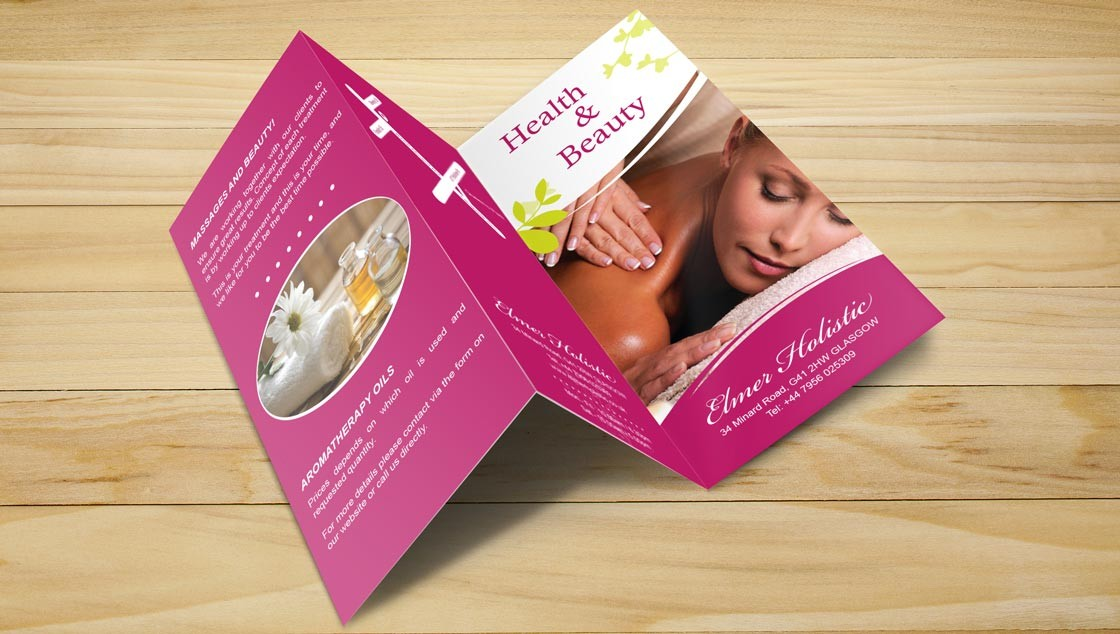 Holistic-Tri-Fold-Brochure-MockUp_Extérieur_Light
